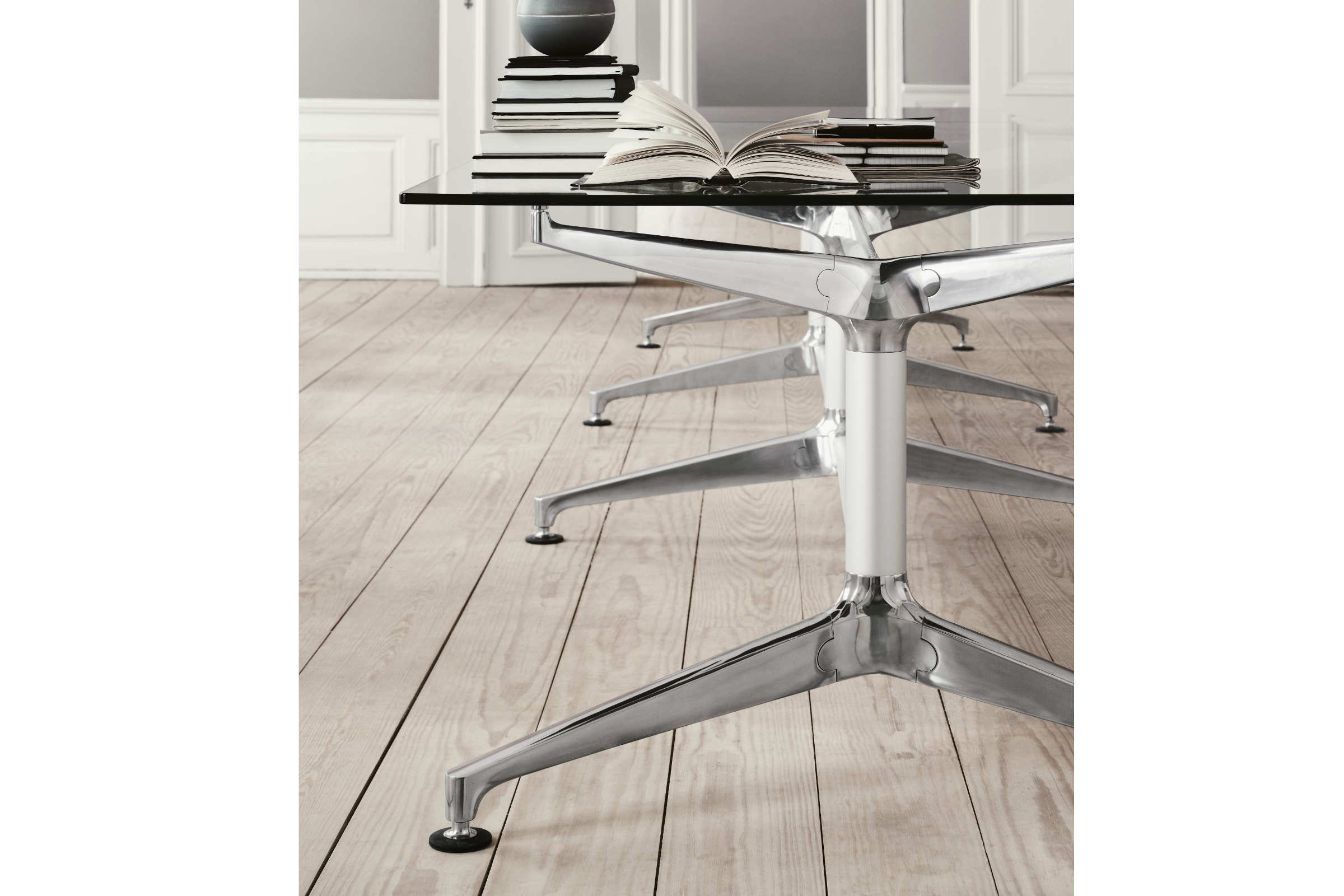 Engelbrechts Joint Table