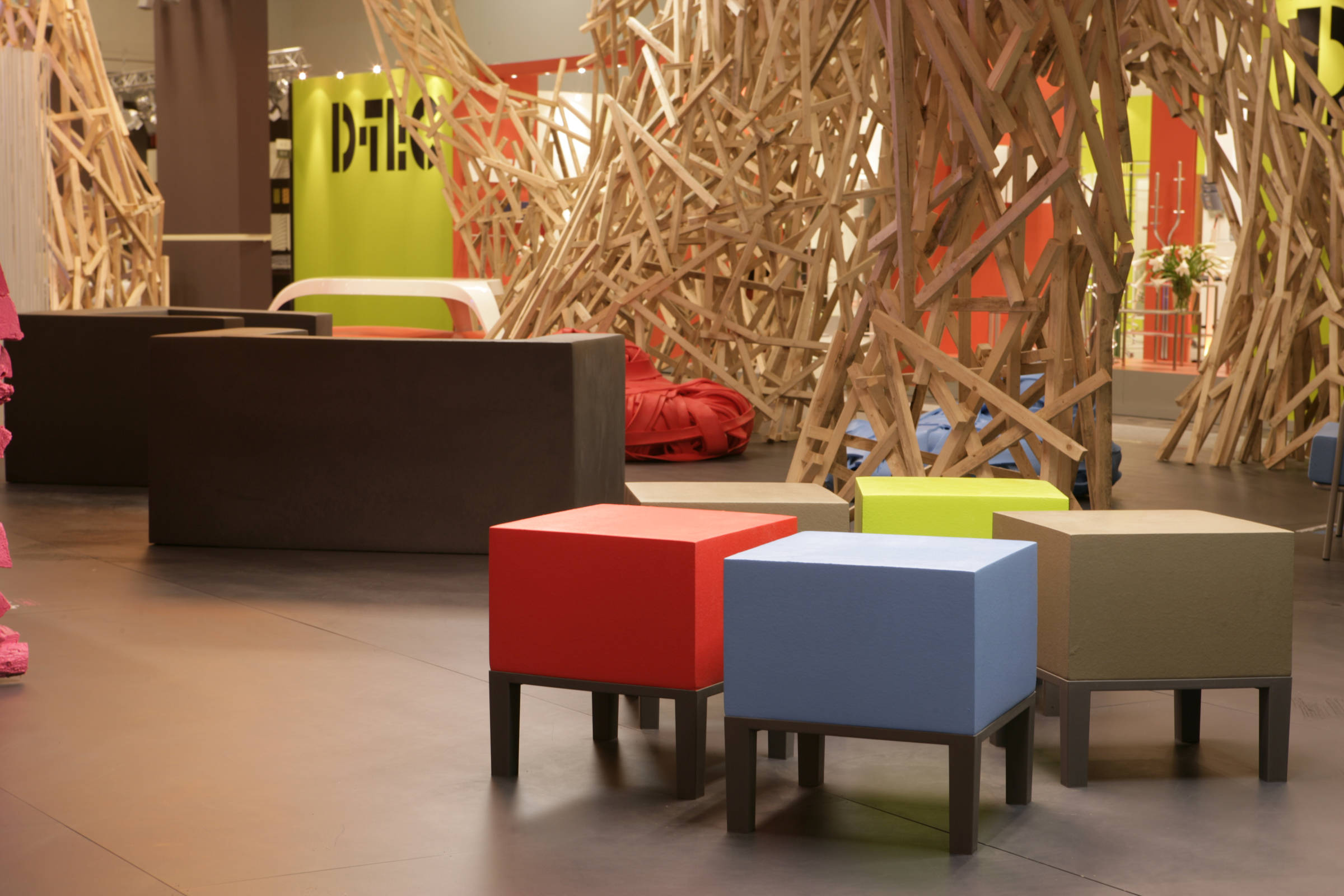 Quinze and Milan Primary Pouf